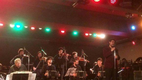 Viernes 27 de abril a la medianoche toca la «Orquesta Típica Villa Urquiza»