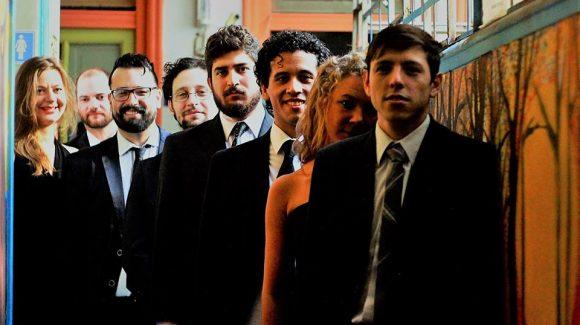 """Viernes 8 de febrero a la medianoche toca la """"Orquesta Tìpica De Angelis"""""""